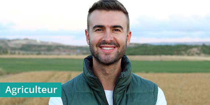 Jeune-agriculteur-exploitation-adherent-cerfrance